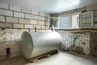 Flüssiggastank im Keller