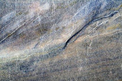 mamorplatte bei einer natursteinheizung