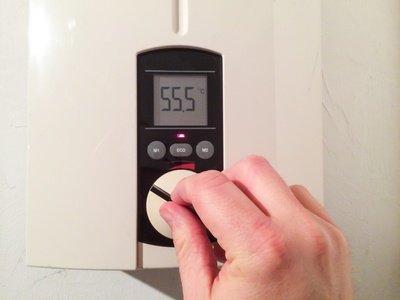 Gas Durchlauferhitzer bedienen