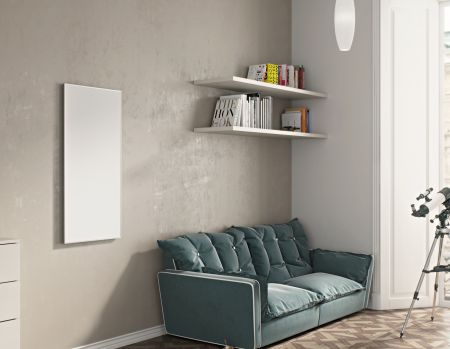 Infrarotheizkörper in weiß an der Wand