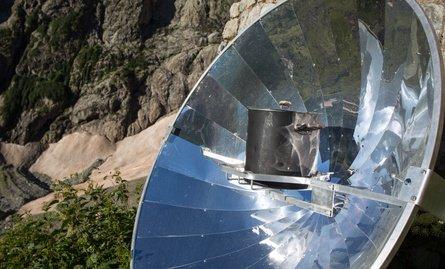Parabolrinnenkraftwerk Parabolspiegel in der Ansicht