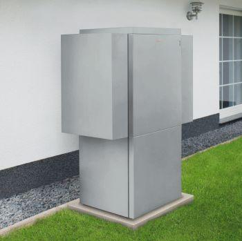 Viessmann Waermepumpe im Garten als Beispiel für alternative Energien