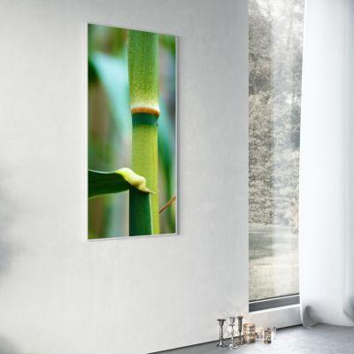 Strahlungsheizkörper als Bild an weißer Wand