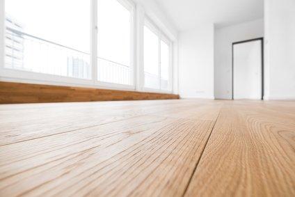 Raum mit Fußbodenheizung unter Laminat