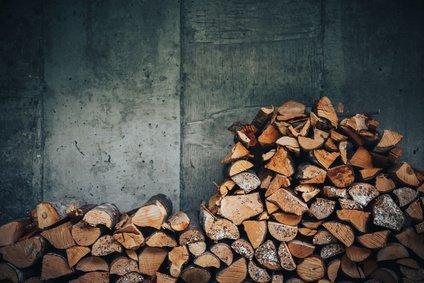 Lagerung von Holz als Brennstoff