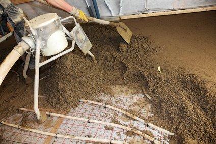 Zementestrich über Fußbodenheizung