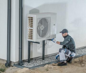 Installation einer Wärmepumpe in einem Neubau